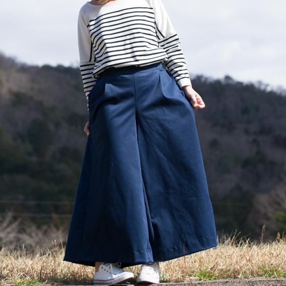 【布帛】やわらかストレッチサテン(鉄紺)