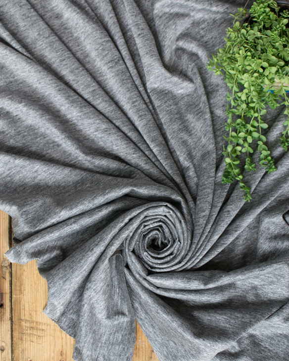 【ニット】縫いやすいリネンプレーディング天竺(濃いめのグレー)
